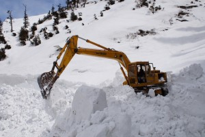 Army Engineers Start Manali – Rohtang Pass Snow Clearance Operations